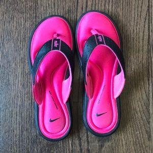 Women's size 8 Nike sandals